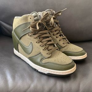 Dunk Ski Hi Wedged Nike Sneakers